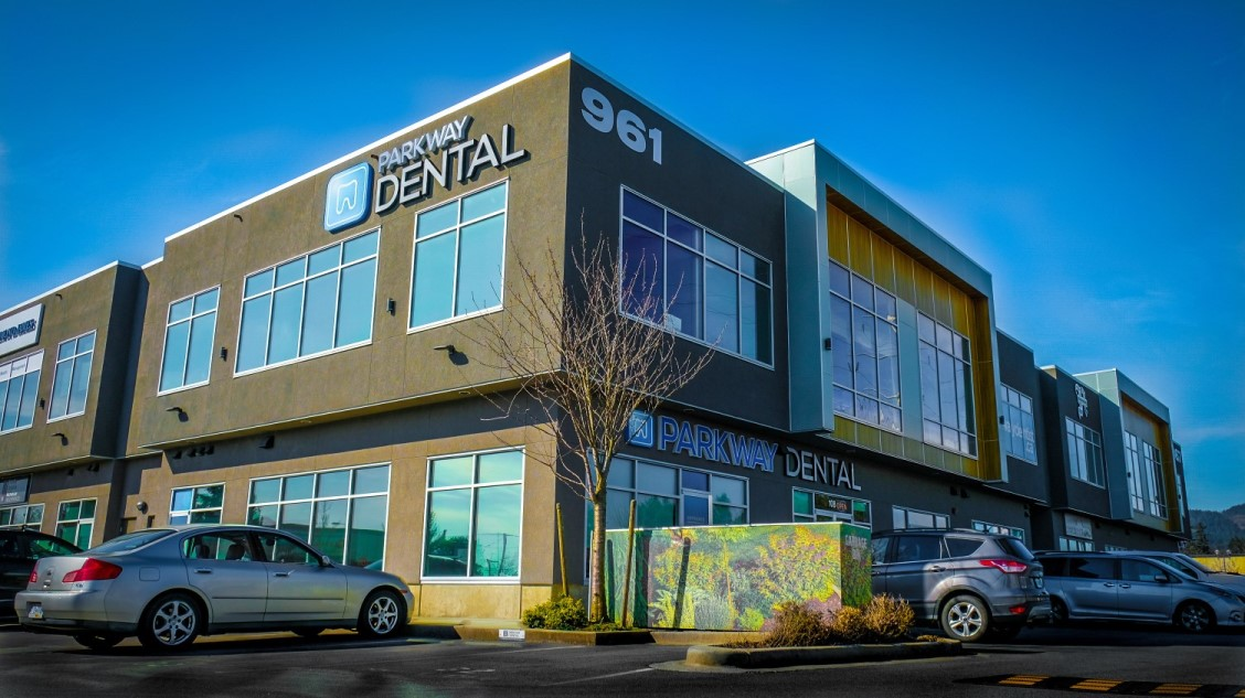 Dentist in Langford | Parkway Dental Clinic | Call 778-433-4453